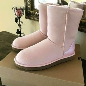 UGG Classic Short II Boots NEW IN BOX